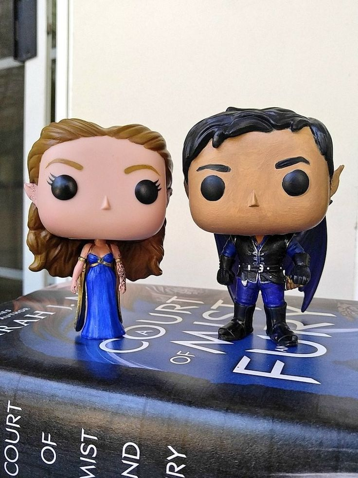 Feyre Amp Rhysand Custom Funko Pops Feyre Built From Alice