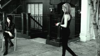 Avril Lavigne - Smile