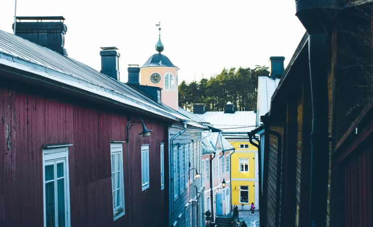 Porvoo in the winter time is a breath of fresh air… The illuminated river is a kaleidoscope of colour depending on the mood of sky. We arrived during the day when it was incredible sunny bel…