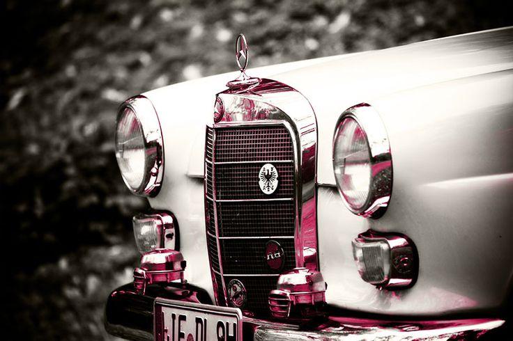 Mercedes Benz Heckflosse - Front in pink