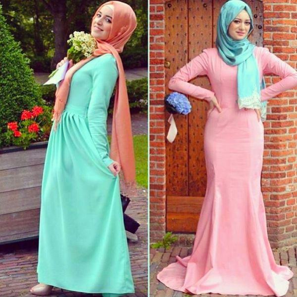 Style Spied: Seyma  One word we can use to describe Seyma%u2019s look here is %u2018sweet%u2019! We love how she pairs a pastel mint green scarf with a pastel pink dress to add fun to her look. And what%u2019s the best way to add instant fanciness to your minimalistic dress, you ask? Why, it%u2019s a satin-ey scarf, of course!