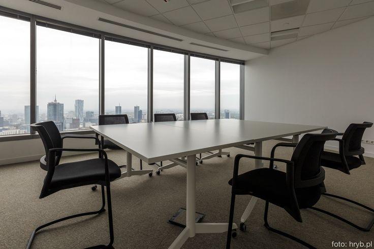 Wznieś swój biznes na najwyższy poziom, organizując spotkania, imprezy, szkolenia czy konferencje w wyjątkowym miejscu z niepowtarzalnym widokiem na Warszawę z 35 pietra. w WTT —Warsaw Trade Tower.