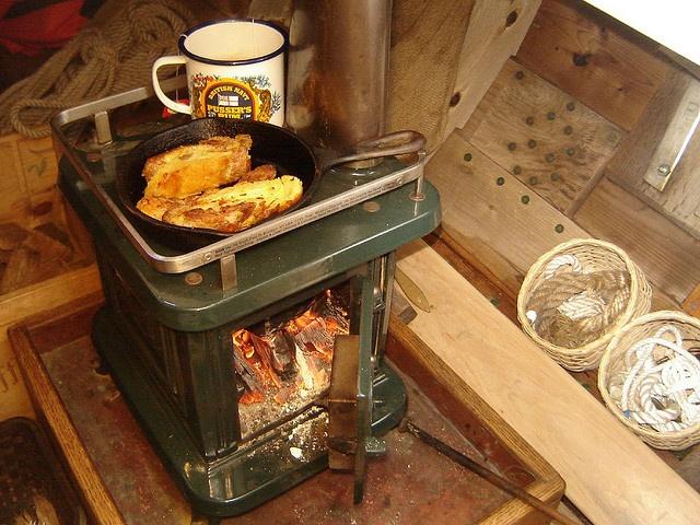 Sardine wood burning stove - 185 Best Wooden Boat Images On Pinterest