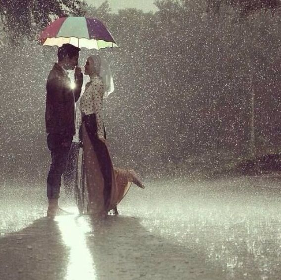 Muslim Couple Photography in Rain..