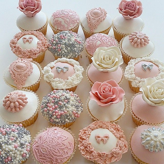 just love this assortment of vintage/shabby chic cupcakes