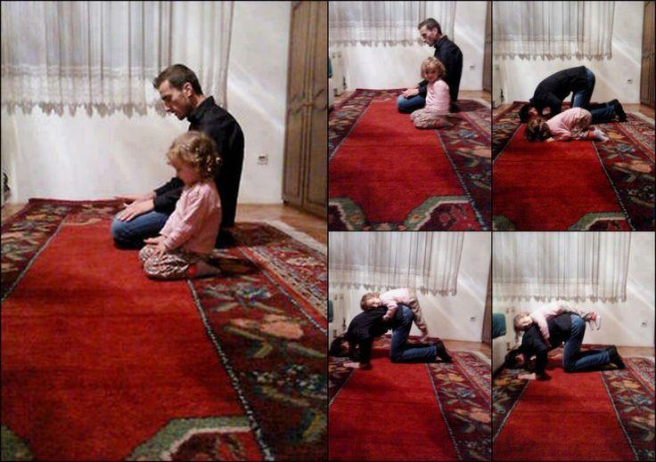 Muslims in Salat, Prayer :)  Moments d'intimité avec son enfant dans la prière ... - Islam France - Le forum islamique francophone !