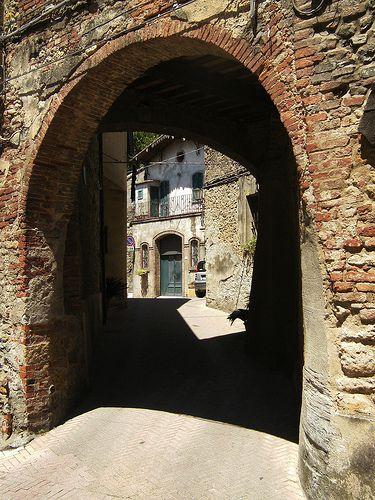 Montescudaio  Italy (Explored)