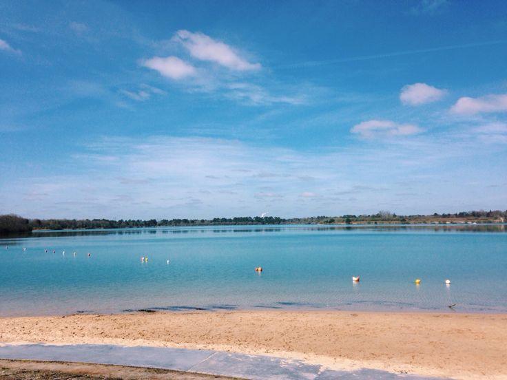 Nuances de bleu #landes #arjuzanx #lac #morcenx #plage #lake #beach