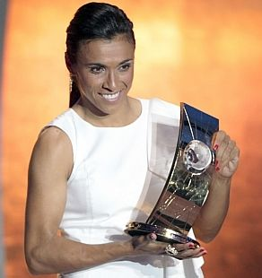 Marta, eleita por cinco vezes seguidas a melhor jogadora de futebol do mundo!/ Marta was elected best soccer player in the world 5 times in a row!