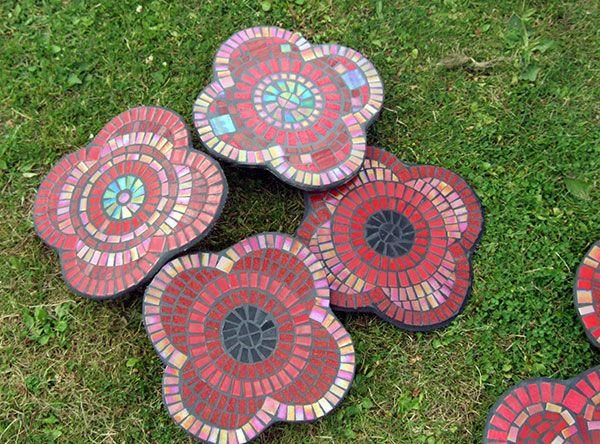 WW1 centenary mosaic poppies, see www.urbanwonder.co.uk/news