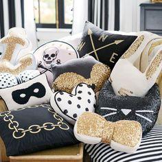 DIY Almofadas Brilhantes - Almofadas com Glitter - Almofadas com Lantejoulas - Almofadas Decorativas - Decoração de Salas - Decoração de Quartos - Almofadas Coloridas - Pillow - How to Do - Como Fazer - Fonte: Mi Casa Revista #BlogDecostore