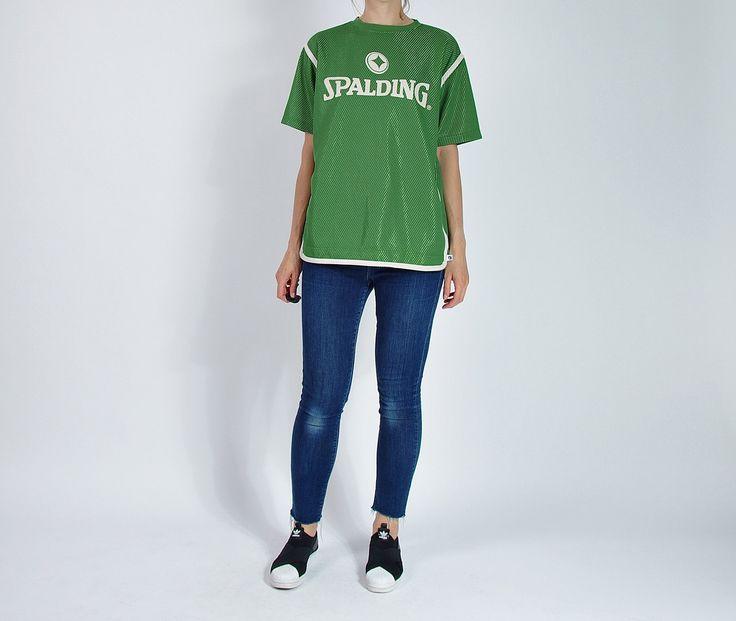 Vintage Spalding True Basketball Old School Sportswear Streetwear T-shirt / Size M/L