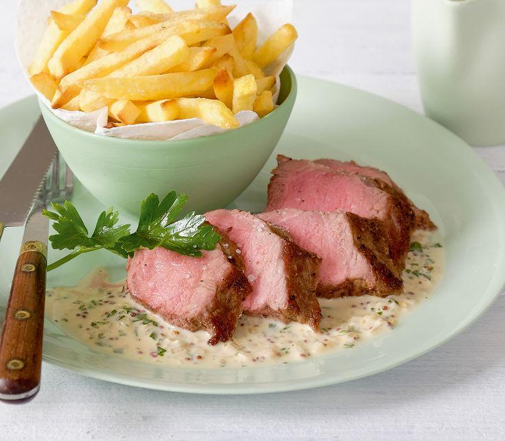 Entrecôte double mit sehr würziger Sauce ist für Fleischliebhaber ein perfektes Menü.
