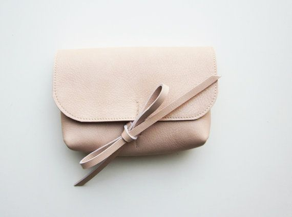 Nice little clutch - cosmetic case - organizer for bags- in pink leather, close…