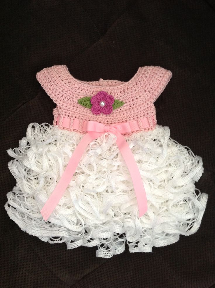 Crochet ruffled baby dress. Newborn