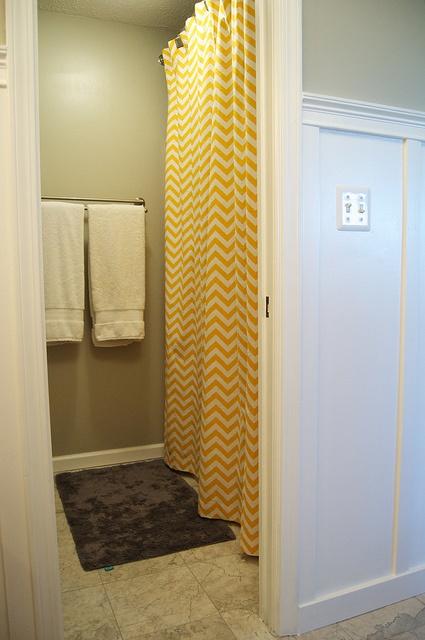 bathroom: Bathroom Update, Color Combos, Bathroom Ideas, Chevron Shower Curtains, Gray Color