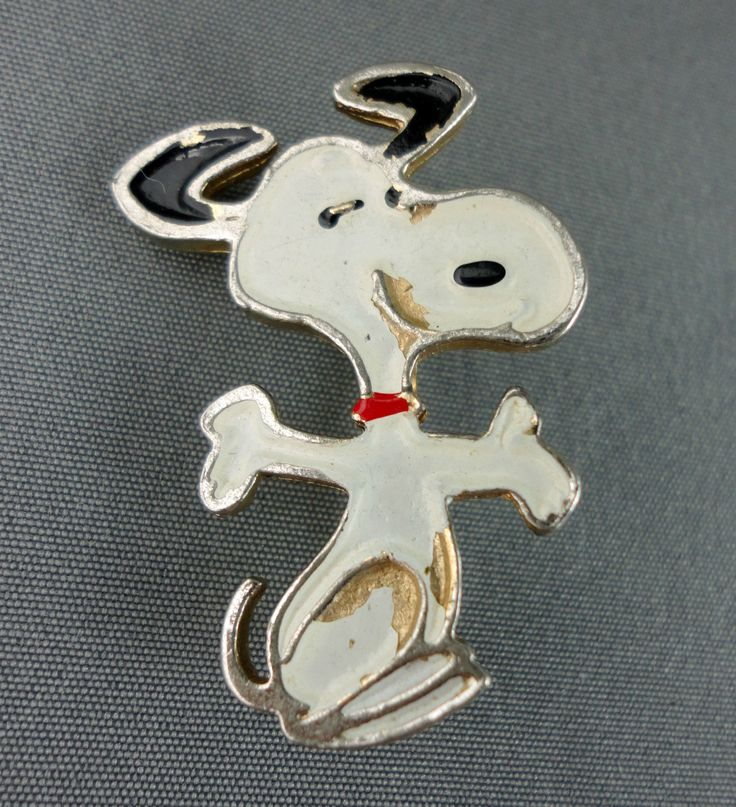 Snoopy Happy Dance Figural Peanuts Pin United Features 70's Vintage.