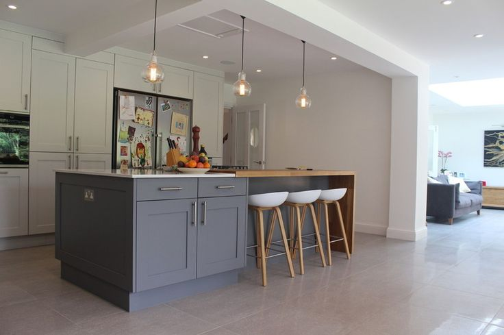 Contemporary Kitchen by Studio 3 kitchens
