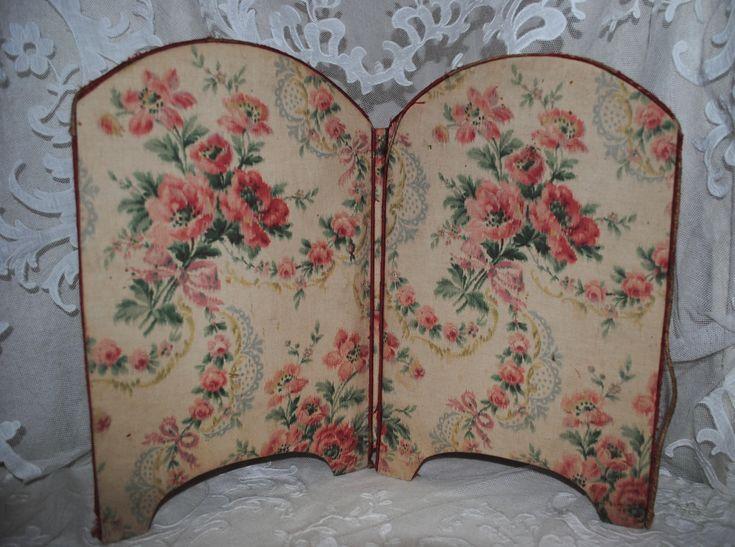 Antique French fabric folding screen boudoir roses di villavillacolle su Etsy
