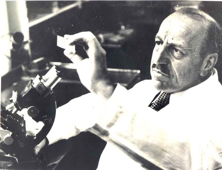 "Georgios Papanikolaou   ⌘ a pioneer in cytology and early cancer detection, and inventor of the ""Pap smear"".   http://en.wikipedia.org/wiki/Georgios_Papanikolaou"