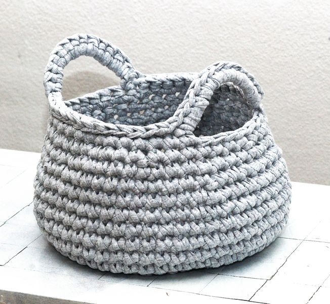 Cesto para el hogar de punto tejido a mano - accesorios y decoración para el hogar - en DaWanda.es