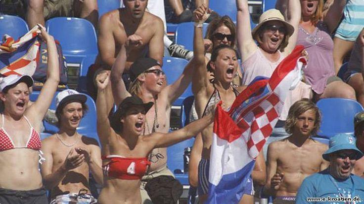 Der schönste Ort Europäische Meisterschaft im Beachhandball Umag in Kroatien Weitere interessante Informationen über Kroatien und nicht nur auf http://www.e-kroatien.de/familie/europaische-meisterschaft-im-beachhandball-umag