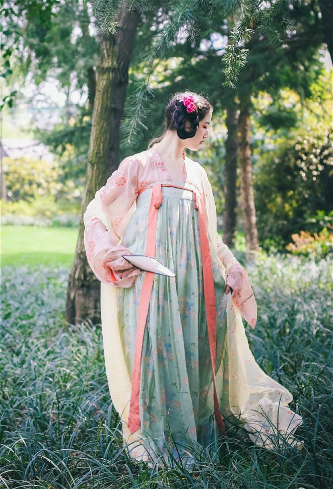 Ancient Chinese Hanfu Clothing