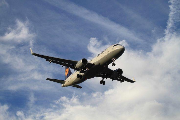 Boka flygbiljett hos en av världens största flygbolag! Alltid billiga priser på flygresor, flybiljetter och kampanjer. Trevlig flygresa!