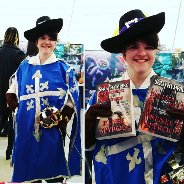 I met this #lovely #lady #dressed as one of the #3muskateers at the #Melbourne #Supanova #popculture #expo #last #weekend it was an absolute pleasure chatting with you. Please tag yourself. #thankyou so much for all your #support and #purchasing my #Seraphympire #novels I hope you enjoy reading them & aren't too disappointed. Please let me know what you think when you have read them, I always like to hear back from my readers. ❤😊