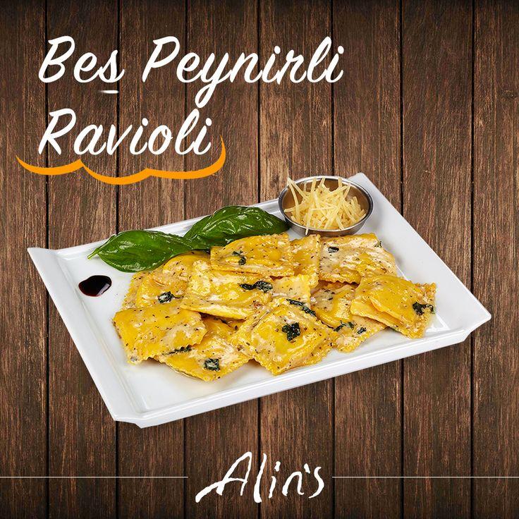 ⭐️ Yeni Beş Peynirli Ravioli'mizi denediniz mi? Fesleğen, sarımsak, pesto sos, parmesan peyniri ve krema ile dans eden bu lezzete asla hayır diyemeyeceksiniz ;)