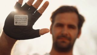 Experiential Marketing - antiseptica-home: Handvertising. Garbarz, Hamburg went where one million people willingly exchange germs by giving millions of high-fives: The Hamburg Marathon. More from J+B at http://www.jbnorthamerica.com/media/outdoor-of-home-billboard-advertising