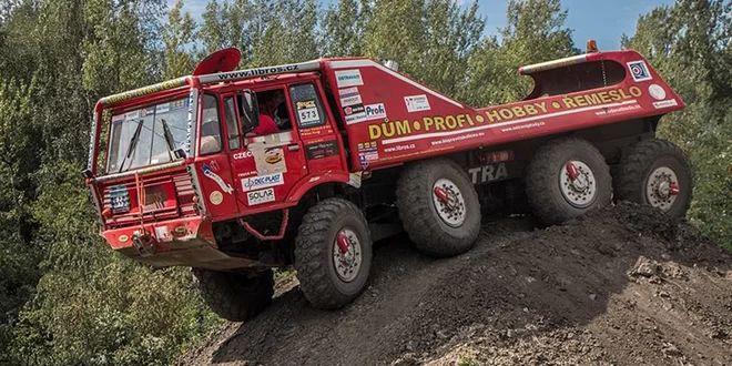 30 minut za volantem Tatry 813 8X8 Truck Trial