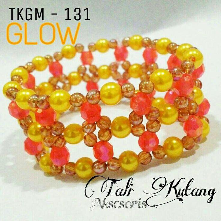 https://www.tokopedia.com/talikutang/gelang-cantik-manik-mutiara-tkgm-131-glow-yellow