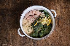 One Pot Reis mit Huhn & Brokkoli. 3/4 L Brühe und Saft einer Zitrone&Zesten- Nach Originalrezept wirds bitter.