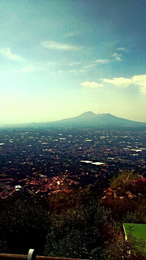 Napoli with Vesuvius in background