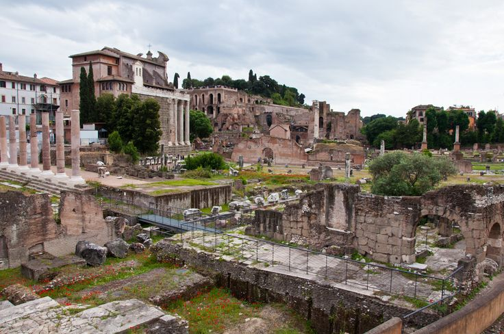 Want to know the weather in Rome, Italy... weeks ahead of time? Here's what to expect, season by season — and what this means in terms of what to pack.