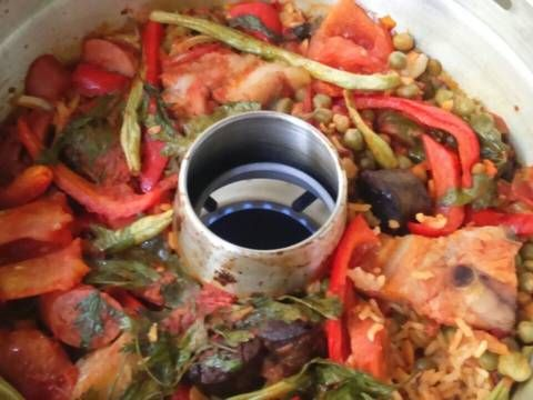Fabulosa receta para Arroz horneado (horno milagro, cazuela horno). Si hecho en una cazuela ya es rico, horneado es delicioso. Adaptación hecha para el horno milagro o cazuela horno.