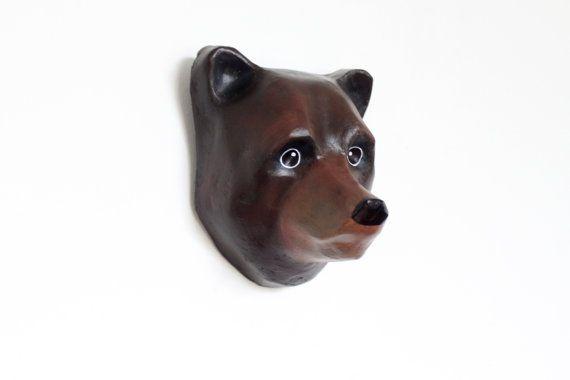 The American black bear (Ursus americanus) head Wall decor