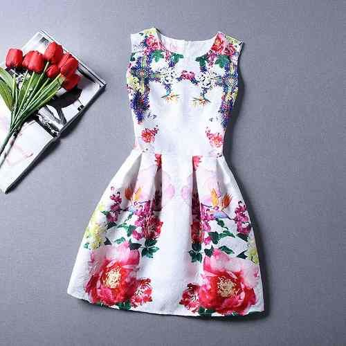 Vestido Rodado Curto Com Cintura Marcada, Floral Primavera - R$ 138,90