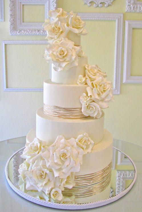 Editor's Pick: Exquisite #Wedding Cakes from A Wish And A Whisk Cakes. To see more: https://www.facebook.com/modwedding #wedding #weddings #cake