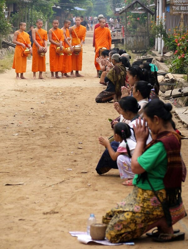 kents hill buddhist single women Our network of hindu men and women in kents hill is the perfect place to make hindu friends or find a hindu boyfriend or kents hill buddhist singles.