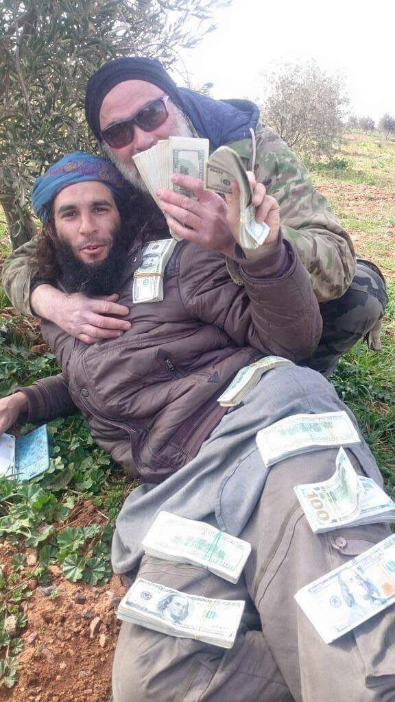 CIA American Marine dishes out some of the Trillions of $ that General Petraeus Paid ISIS/ Daesh with. Syria - circa 2013