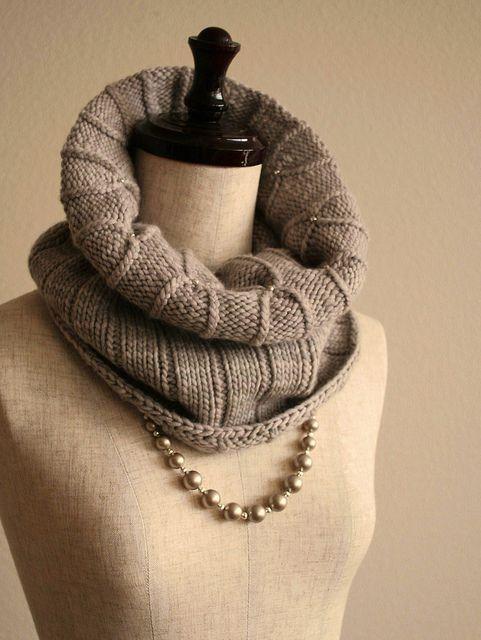 Pearl Cowl--free pattern