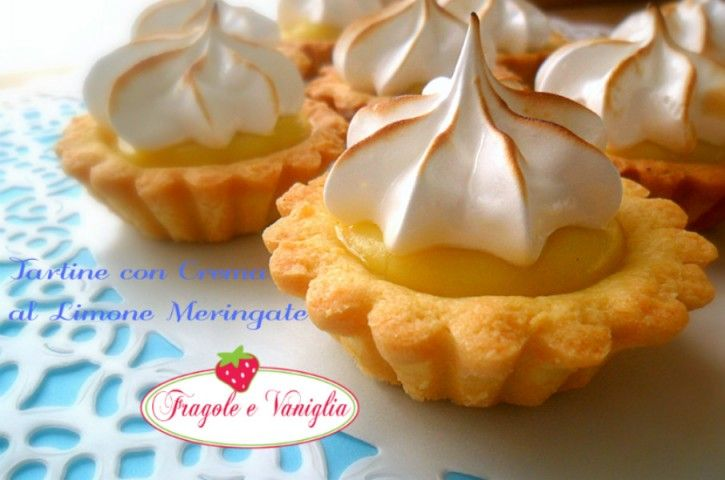 Le tartine con Crema al Limone Meringate,sono delle deliziose crostatine con una delicata crema al limone e guarnite con una soffice meringa italiana!