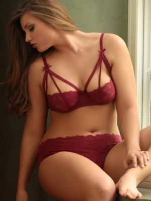 Plus Size Strappy Stretch Lace Bra, Wine she is absolutely beautiful