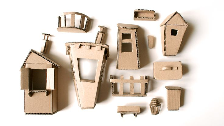 J'aime le carton et avec toutes les chutes que je garde, j'ai créer des petites maisons qui sont vite devenues : une ville !