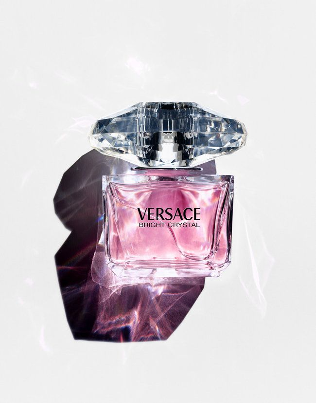 Versace Bright Crystal is great for everyday use. Just 1-2 sprays and you are good to go! Leaving you smelling lovely with magnolia, peony, and lotus flowers.  #GotItFreeFromSecret