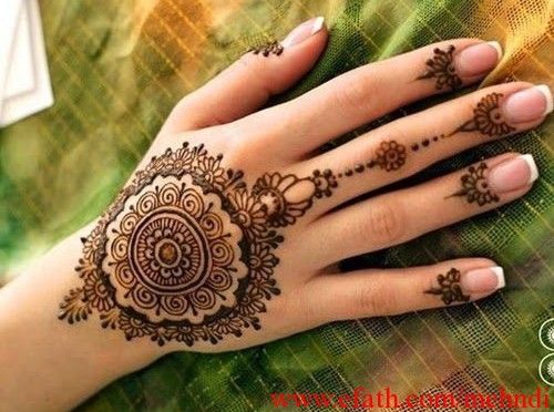 eid-festival-mehndi-designs-for-women-1435145881kn48g.jpg (500×372)