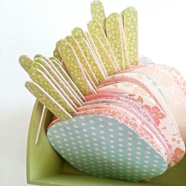 Kit Paipay boda Hecho por Kit.  El kit incluye todo el material necesario para montar 45 paipay y la bandeja de la presentación Kit DIY para preparar abanicos de boda.