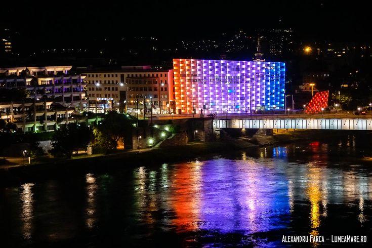 Muzeul Ars Electronica noaptea, în Linz